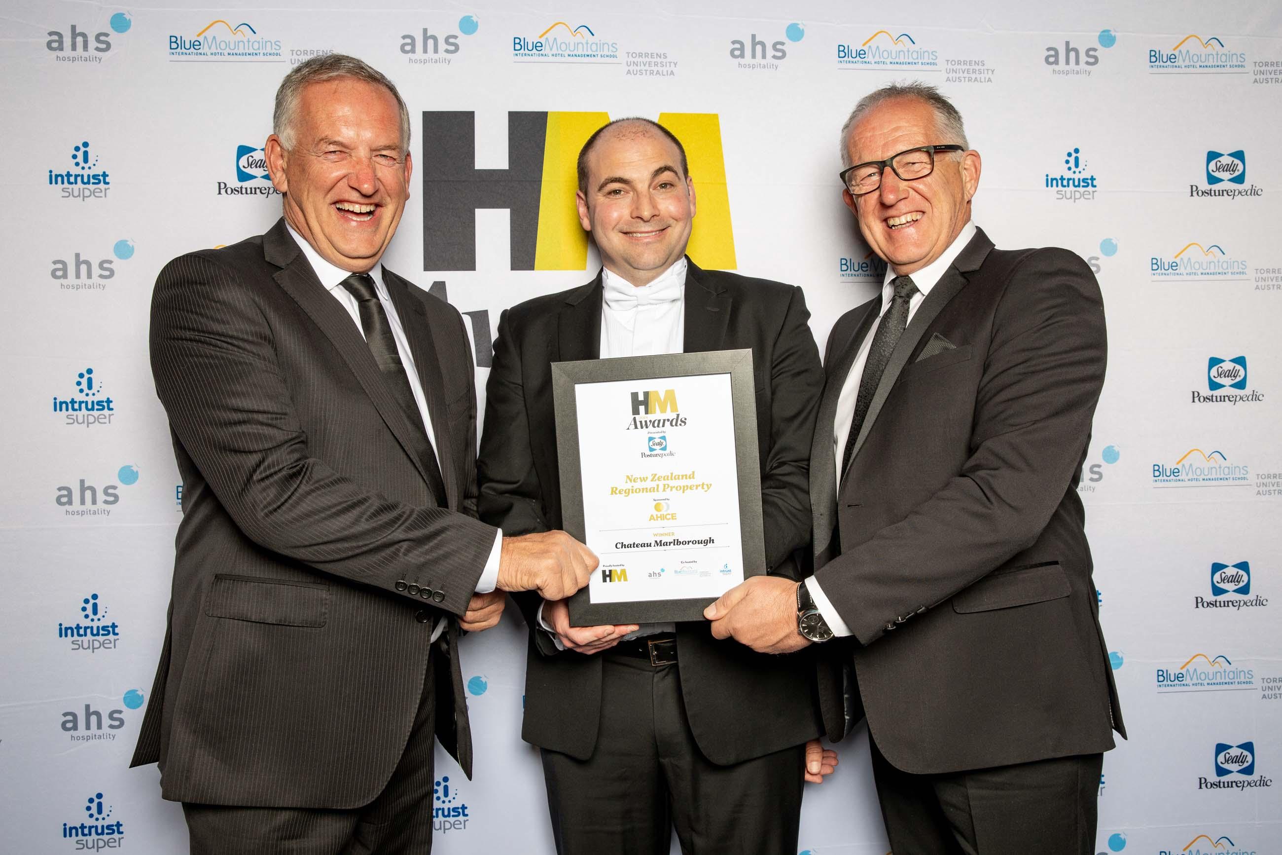 72ppi-HMawards-2018-official-award-wall-128128