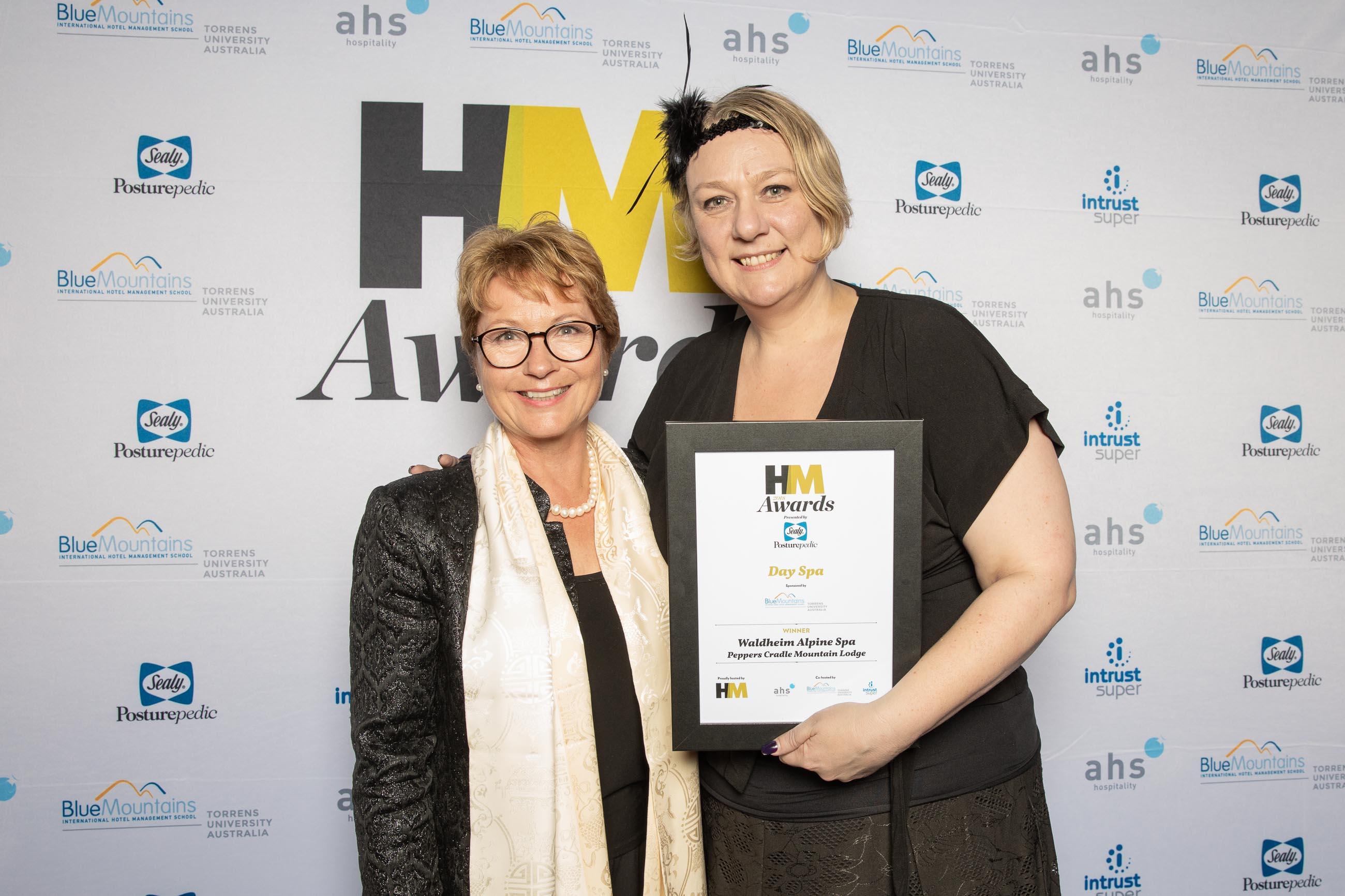 72ppi-HMawards-2018-official-award-wall-9393